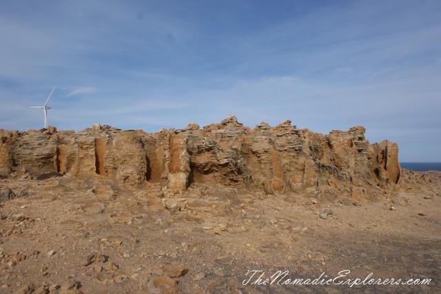 Портланд - скалы Blowholes, известняковые образования Petrified Forest и ручьи пресной воды Freshwater Springs