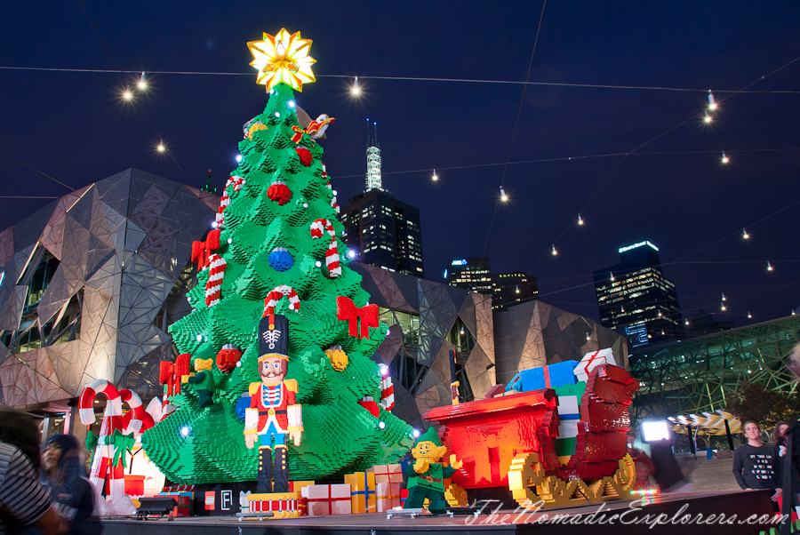 Christmas decorations in melbourne night walk the for Australian christmas decoration