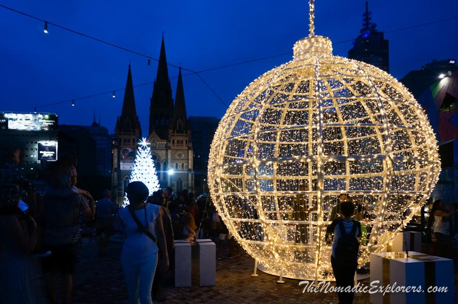 Australia, Victoria, Melbourne, Мельбурнские новогодние украшения на Federation Square, ,